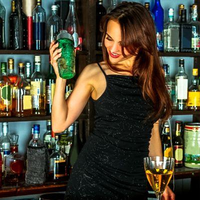 Hen Cocktail Making Bristol